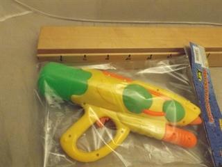Pistolet na wodę z pompką PVCB F4 18/72 AD