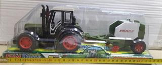 Traktor z prasą L1072 72/36 CAB